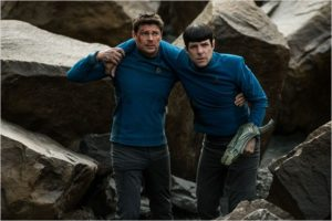 Star Trek Beyond_Pille und Spock